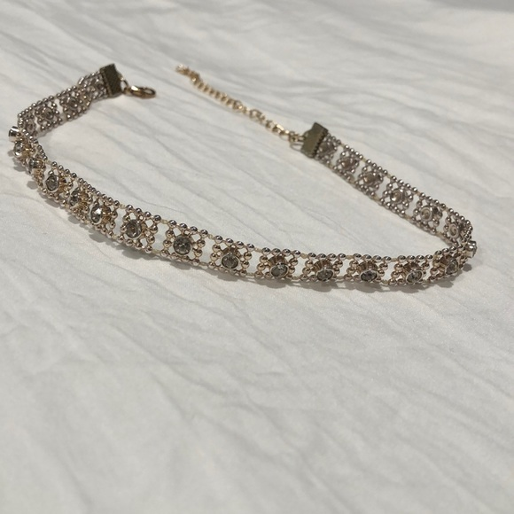 Forever 21 Jewelry - Gold choker